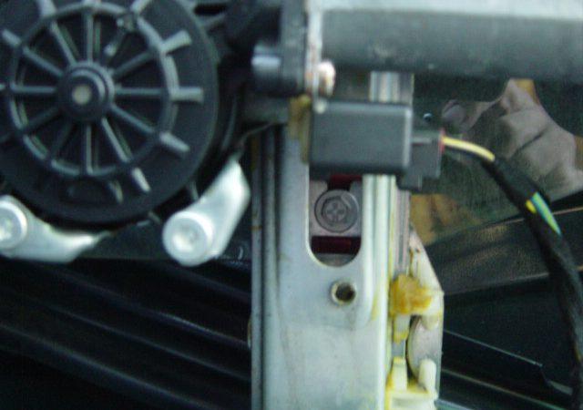 3シリーズ E46 右リアウインドーレギュレータ交換