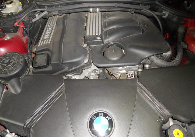 N系4気筒エンジンのエンジンオイル漏れフィルターハウジングガスケット