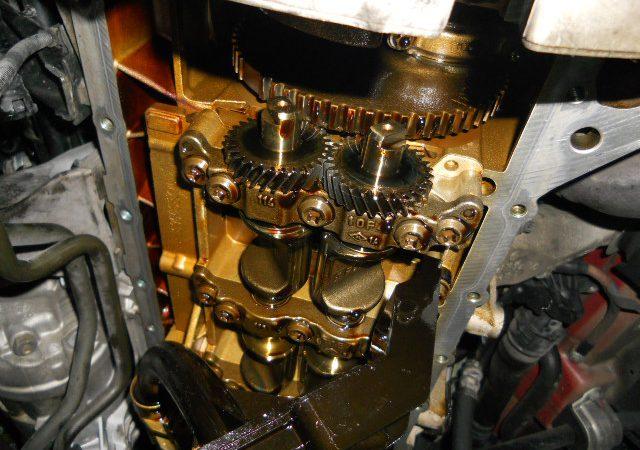N系4気筒エンジンのエンジンオイル漏れオイルパンガスケット