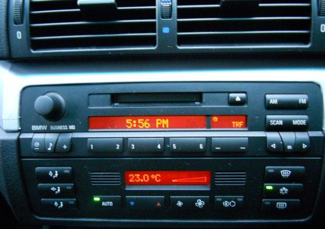 E46 純正オーディオ ラジオの周波数エリアの変更