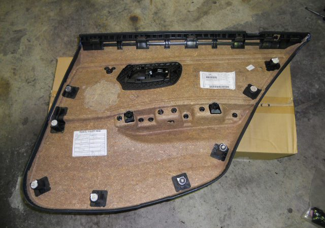 3シリーズ E90 左リアウインドーレギュレータ交換
