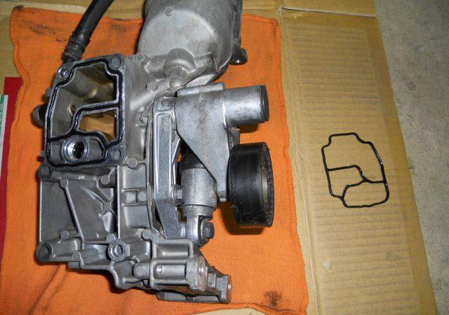 M52 M54型エンジンオイル漏れ フィルターハウジングガスケット交換
