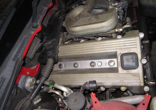 3シリーズ E36 318tiスポーツパッケージ 冷却水漏れ