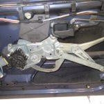 3シリーズ E36 318ti 右ウインドーレギュレータ交換