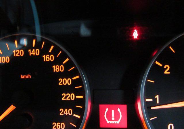 E90 タイヤ空気圧不足(パンク)?