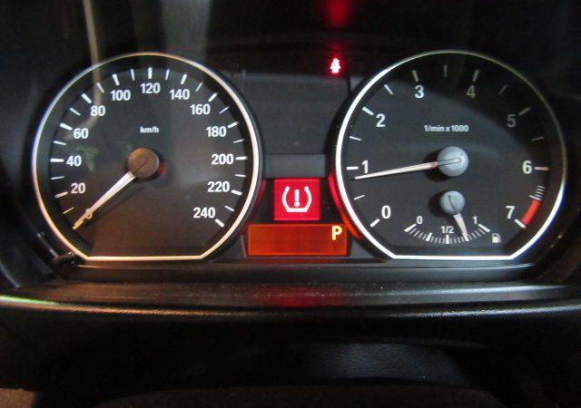 1シリーズ E87 120i タイヤ空気圧警告灯点灯
