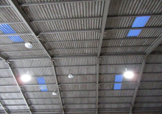 工場明かり窓交換