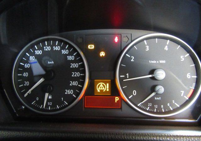 3シリーズ E90 320i DSC ABS警告灯点灯