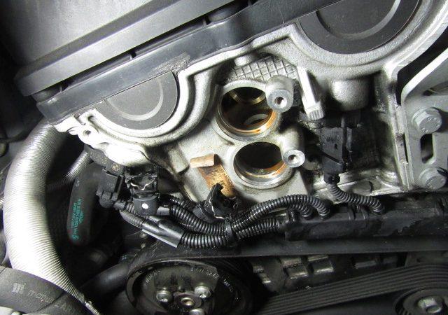 3シリーズ E46 318iMスポーツ エンジンオイル漏れ修理とオイル交換