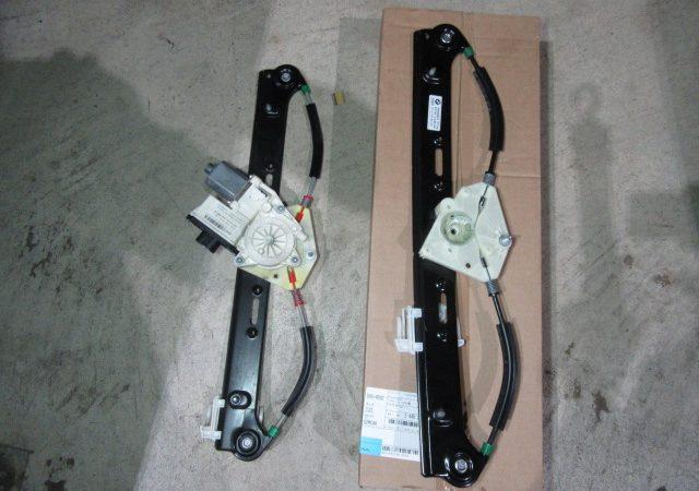 X3 E83 3.0iスポーツパッケージ 左リアパワーウインドーレギュレータ交換