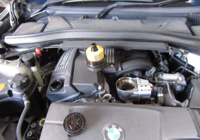 X1 E84 18i S-DriveMスポーツ エンジンオイルとオイルエレメント交換