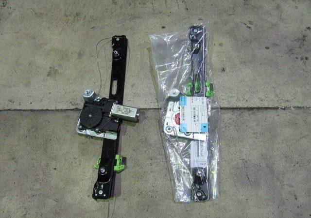 3シリーズ E90 320i右リアパワーウインドレギュレータ交換