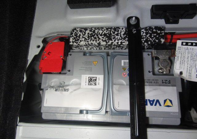 1シリーズ F20 120iMスポーツバッテリ交換