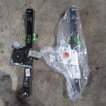3シリーズ E90 320i右リアパワーウインドーレギュレータ交換