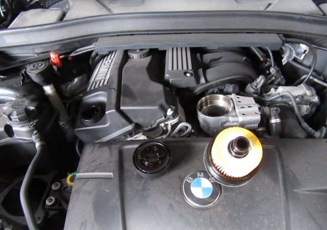 X1 E84 18i S-Drive Mスポーツ 車検