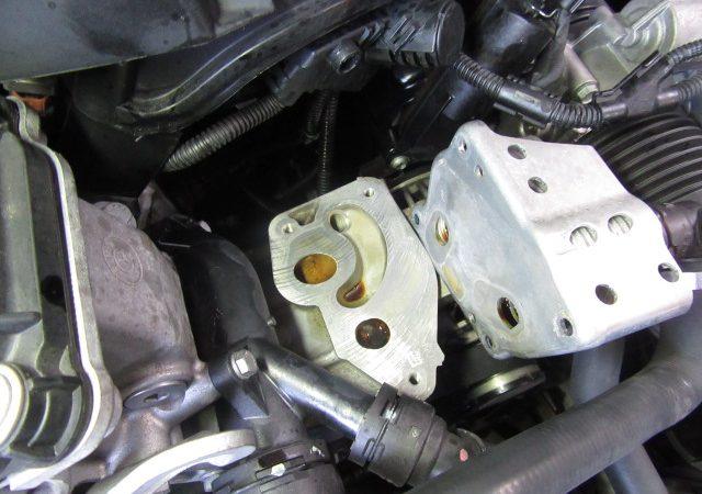 3シリーズ E91 320iツーリングMスポーツ オイル漏れ修理