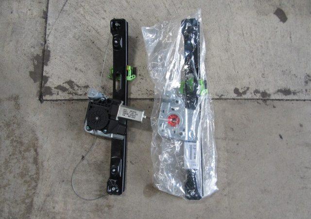 3シリーズ E90 323i 右リアパワーウインドーレギュレータ交換